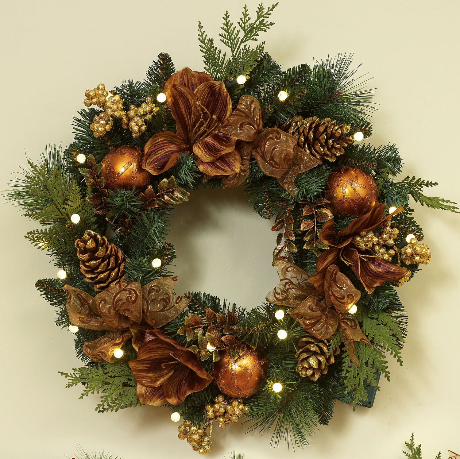 Fresh ideas to make your own christmas decorations Christmas wreath decorations