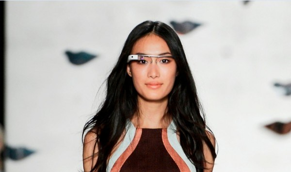 google-glass-model-close-up-4-e1354206095337